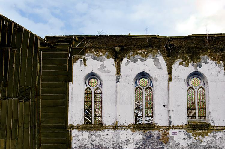 Fabris REMOUCHAMPS : Trois fenêtres 1/11